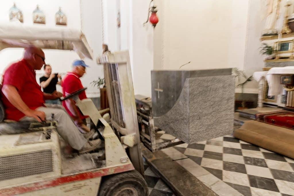 altare marmo chiesa concilio vaticano 5